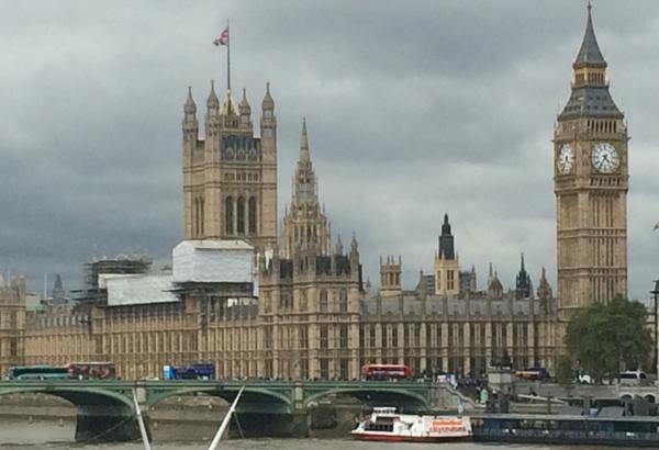 Houses of parliament & Westminster Bridge